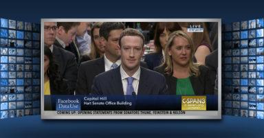 Zu sehen ist ein Screenshot von Mark Zuckerberg von vorne bei der Anhörung vor dem US-Senat zur Cambridge Analytica Affäre.