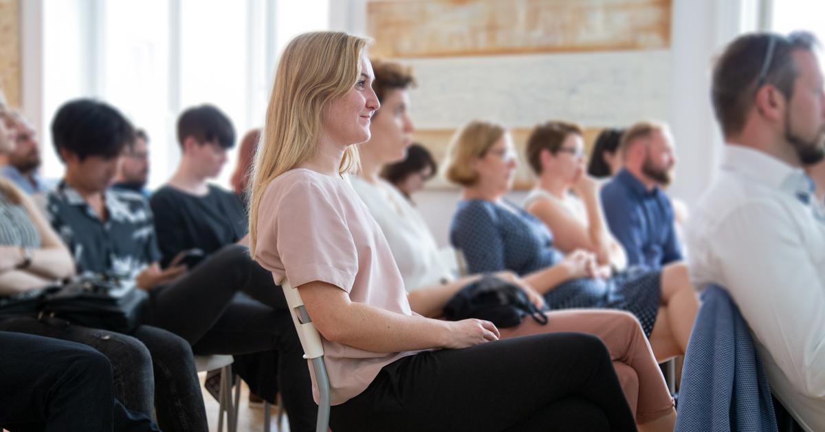 Das Bild zeigt die Teilnehmer des ersten Workshops der HUMANBRAND Media Academy.