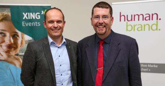 Das Bild zeigt den Director Sales von XING Events, Timm Schröder, und den CEO von HUMANBRAND, Christian Haberl.